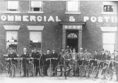 Bicycle club outside Swan Hotel